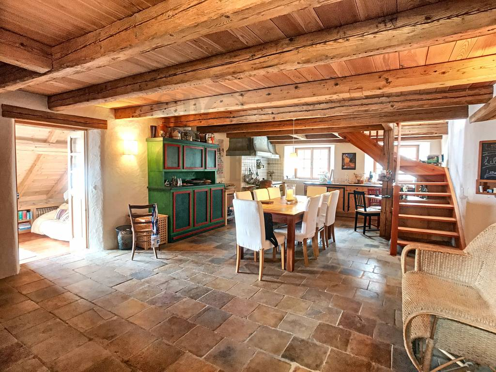 Additional photo for property listing at An eagle's nest above Geneva Lake   Vaud,1820 Switzerland